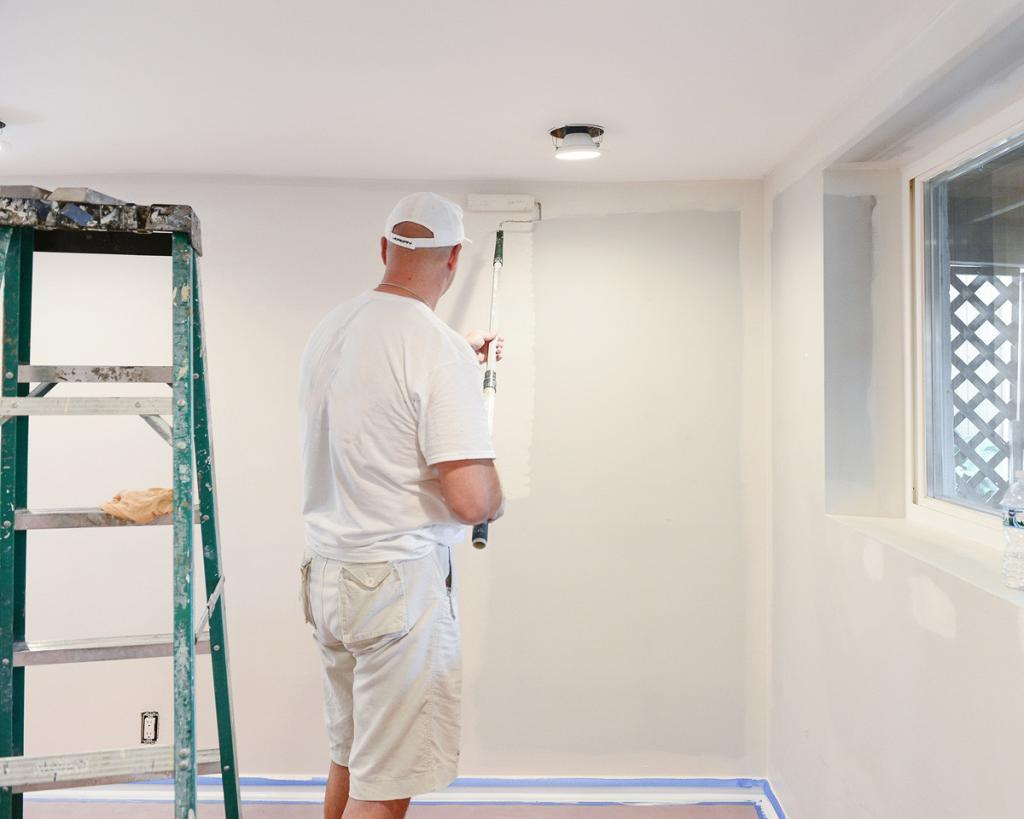 House Painter Rolling Paint - Questions to Ask a House Painter