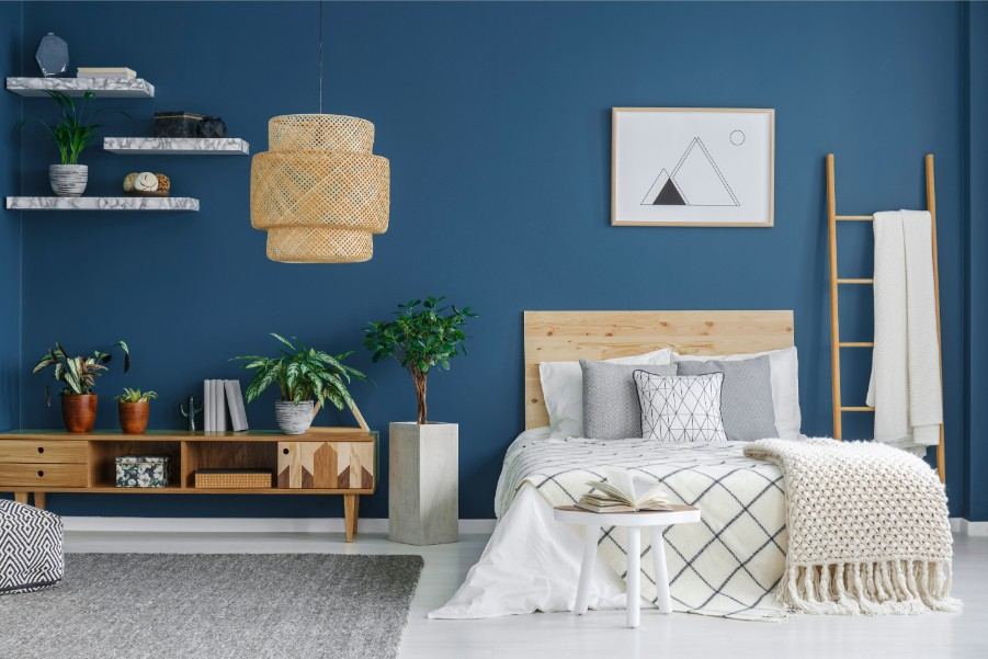 blue-bedroom-with-floating-shelves