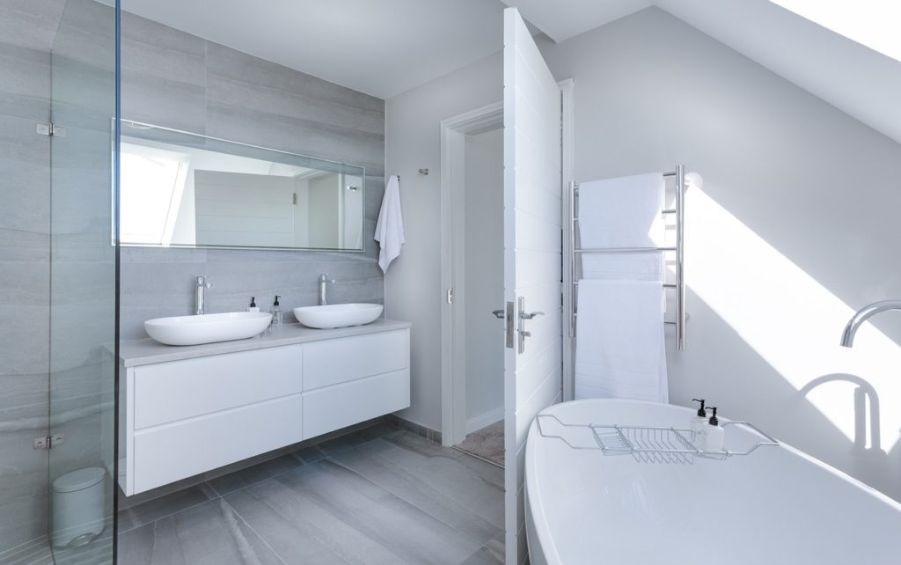 modern minimalist bathroom white
